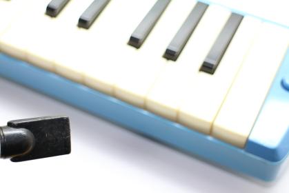 鍵盤ハーモニカと呼吸のイメージ