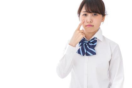 思春期の肌荒れに悩む学生