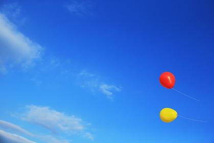 青空と風船