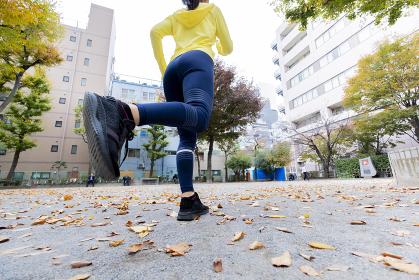 【東京】ジョギングする女性