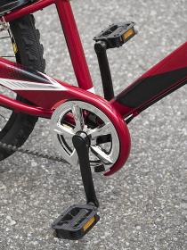 子供用自転車 ペダルとギアクランク