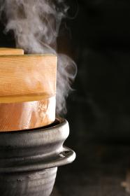 炊き上がりのご飯と湯気