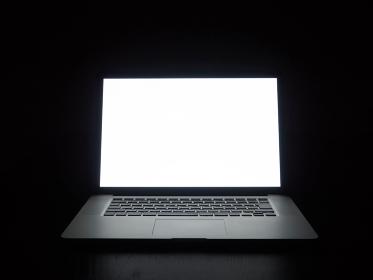 夜のパソコン作業