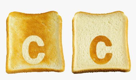 食パンに焼印風のアルファベットの小文字のc