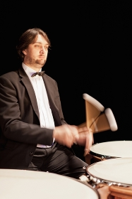 オーケストラのティンパニー奏者