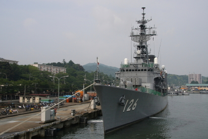 護衛艦「はまゆき(退役)」(2010海自舞鶴基地チビッコヤング大会イベント)
