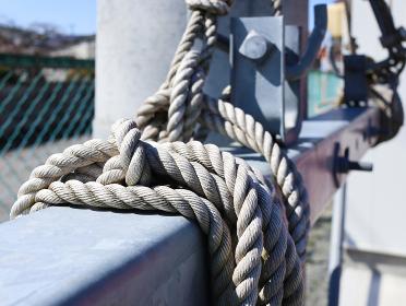 固定する太いロープ 1236