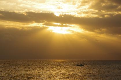 有明海に降り注ぐ太陽の光