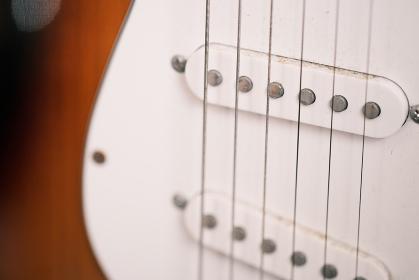 ギターの弦のアップ素材