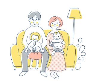 ソファに座っている4人家族