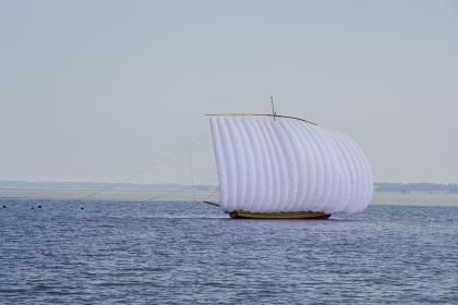 霞ヶ浦の観光帆引き船