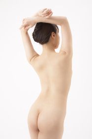 若い日本人女性のウエスト
