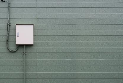 制御盤 電気メーター オリーブグリーンの壁 3281