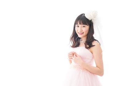 ドレスを着た若い花嫁