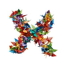 白バックに折り紙の鶴で作った乗算記号