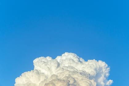 夕方の入道雲