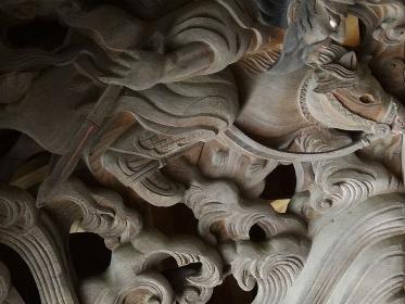 明治45年に神社に奉納された彫刻