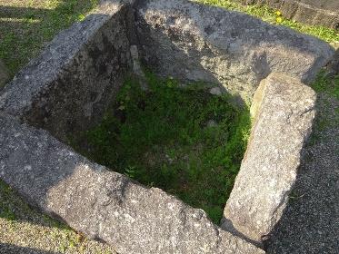 埋めた古井戸の石枠