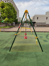 使用禁止された公園遊具