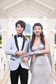チャペルを歩く白いウエディングスーツを着る新郎と純白のウエディングドレスを着た花嫁