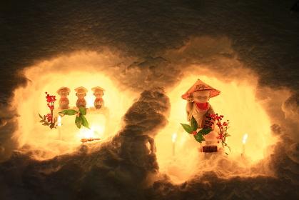 かまくらの灯と人形