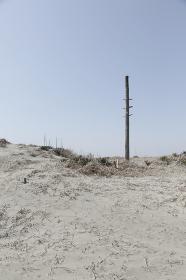 砂浜と空の合成向き背景素材
