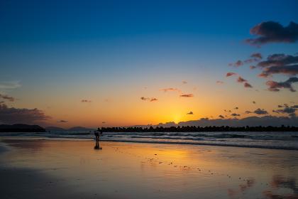 綾羅木海岸から見る夕焼け