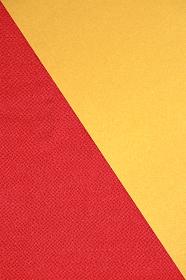 赤色のちりめんと金色の紙で作る背景 2 縦位置
