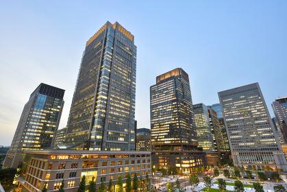 東京・丸の内の高層ビル群