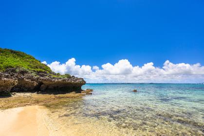 沖縄県宮古島、6月の伊良部島・日本