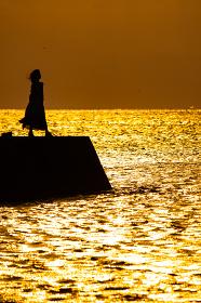 海辺のシルエット
