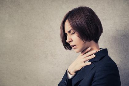 喉の痛み・女性・病気