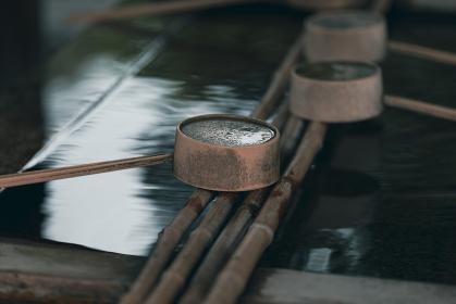 神社の手水場