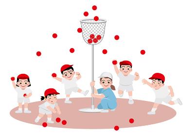 運動会で玉投げをすする子供達