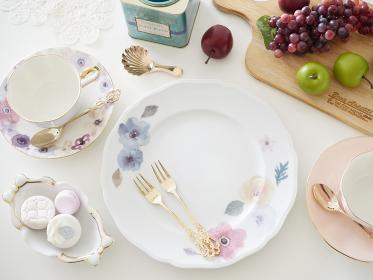 ポーセラーツの手作り皿での朝食イメージ