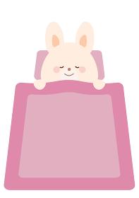 ぐっすり寝るうさぎのイラスト