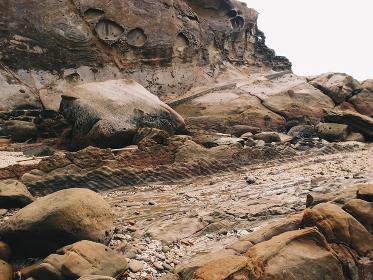 岩肌の侵食とや化石