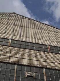 工場の採光窓