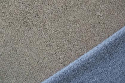 ブルーとグレーのニットで作る背景 4