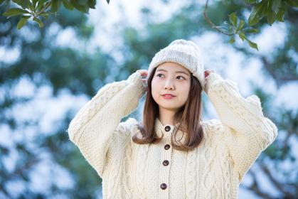 20代女性、冬の表情