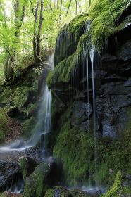 群馬県嬬恋村・たまだれの滝 (玉簾の滝)