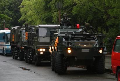 陸自の特殊武器防護隊(2010大阪城公園NBCテロ対策訓練公開)