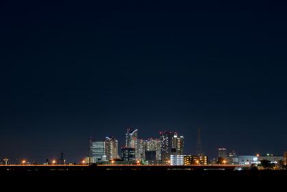 夜景のビル群