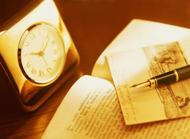 時計と本と万年筆