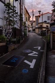 長野県・野沢温泉村 夏の温泉街の夕景