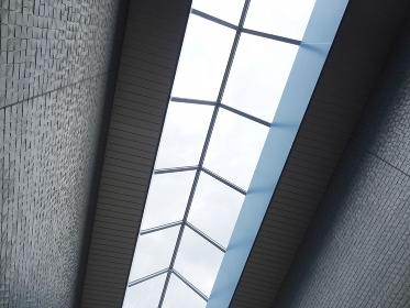 公共施設の天井の採光窓