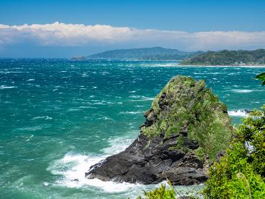 初夏の千葉県大房岬の風景 増間島 5月