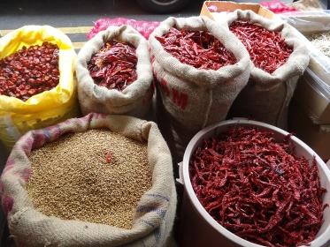 東南アジアの香辛料店