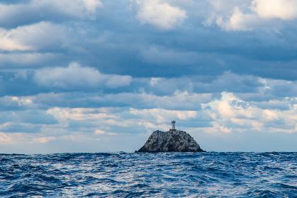 冬の地島沖倉良瀬灯台(福岡県)