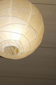 マンション室内の和風照明器具